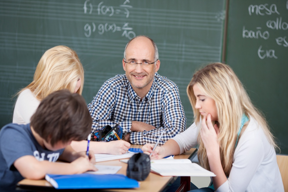 Why An Online Teaching Certification Is Perfect For A Retiree